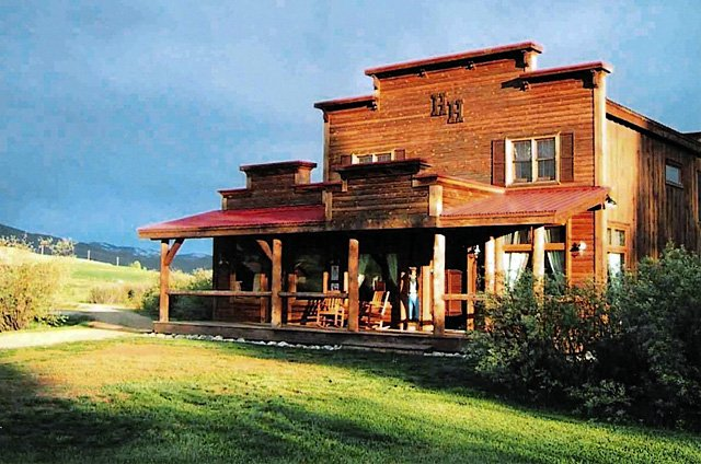 The Elk River Ranch also includes a Western saloon building, which houses an antique bar from Montana. The ranch is unusual among Western ranches for its proximity to a commercial airport and major ski area.