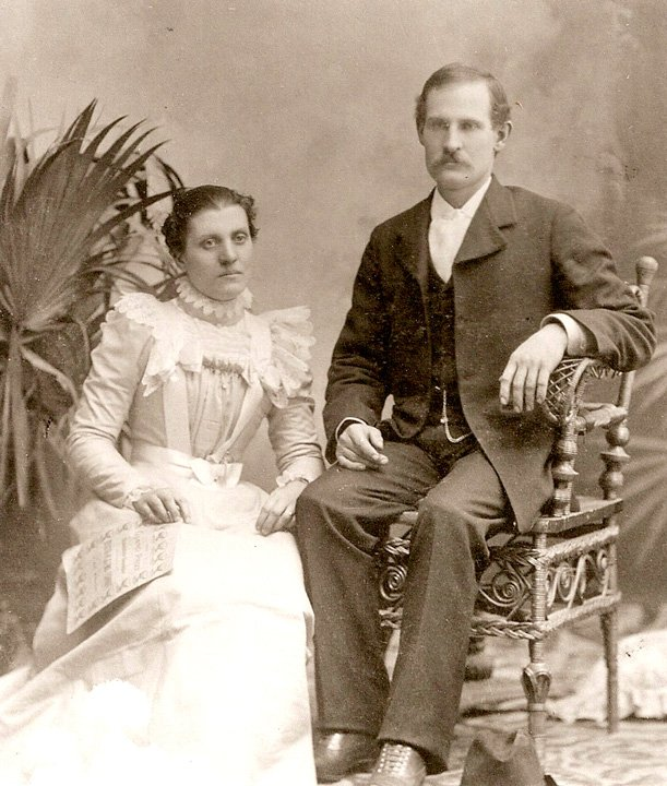 This is a photo of Charles and Effie Osborn, taken about 1900.