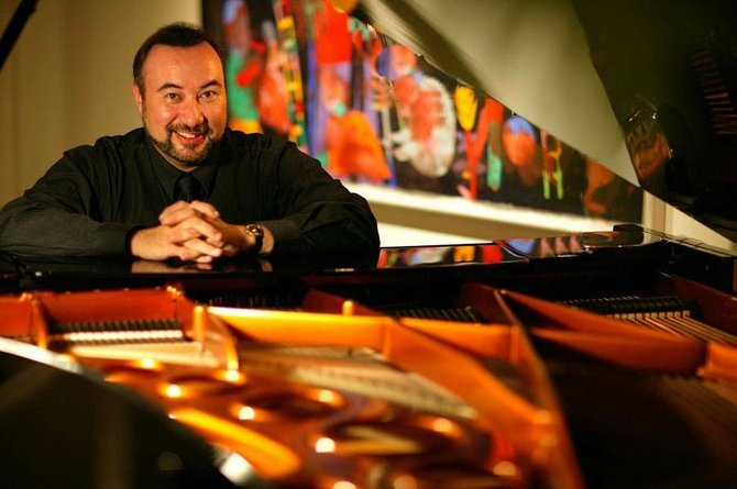 Pianist Jon Kimura Parker plays for the Strings Music Festival's Saturday night classical concert series July 11. Tickets go on sale March 30.