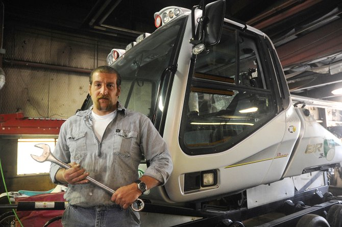 Steamboat Ski and Resort Corp. slope mechanic Joe Ciufo has been named mechanic of the year by the national Ski Area Vehicle Maintenance Institute.