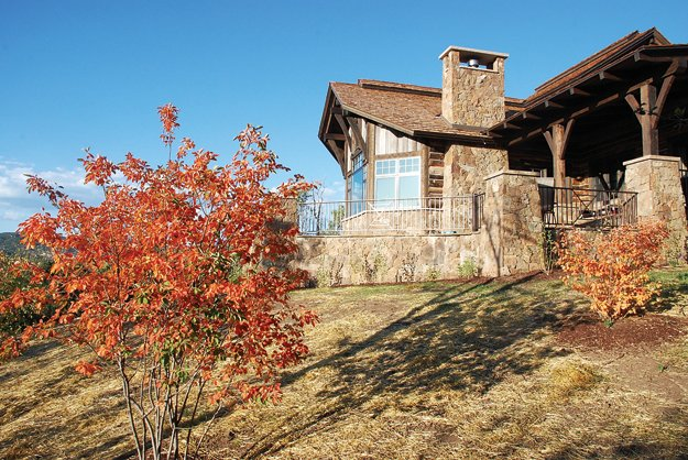 The Wrenn and Mary Blalock home in Marabou Ranch overlooks Sleeping Giant.