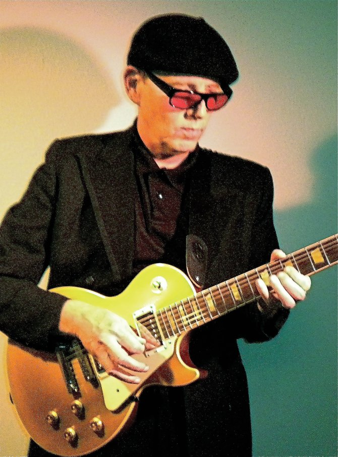 Blues singer, guitarist and percussionist Bobby Walker will play at 9:30 p.m. today and Saturday at Tugboat Grill & Pub.