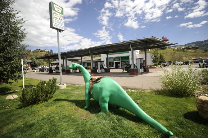 Centennial-based Western Convenience Stores will become the new operators of the gas station and convenience store at Hilltop Parkway and U.S. Highway 40.