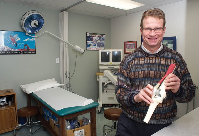 Bryan Bomberg, a board certified orthopedic surgeon, recently returned from Panama, where he worked with Operation Walk, a nonprofit, volunteer medical service organization which provides free surgical treatment for patients in developing countries.