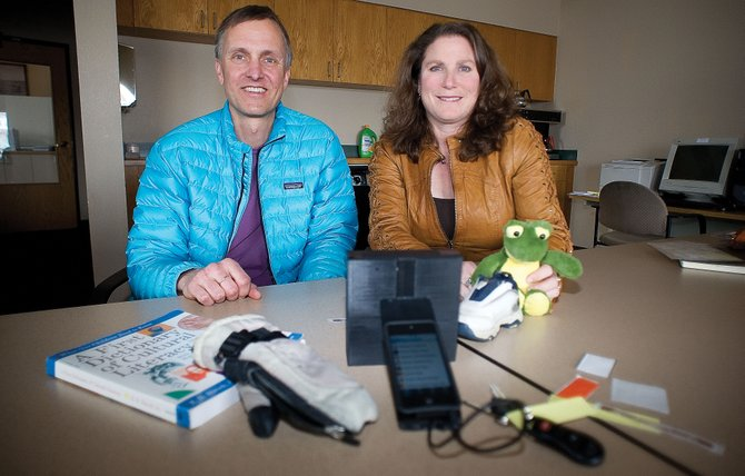 Tony and Carrie Requist started a new company called U Grok It, and their product is a handheld device that uses a smartphone application to find items marked with inexpensive battery-free tags.