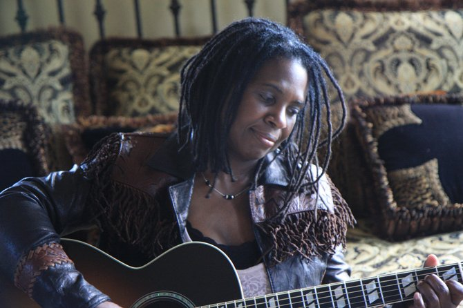 Guitarist and singer Ruthie Foster channels gospel, blues and soul in her 2012 release &quot;Let It Burn.&quot; She will play Strings Music Pavilion on Tuesday for a special Valentine&#39;s Day show with gospel singer-songwriter Paul Thorn.