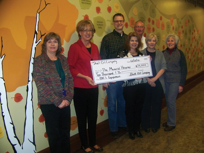 Shell donated $10,000 to The Memorial Hospital Foundation to help fund its new Picture Archiving and Communication System.