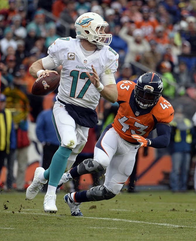 Manning, Anderson Lead Broncos Past Dolphins, 39-36