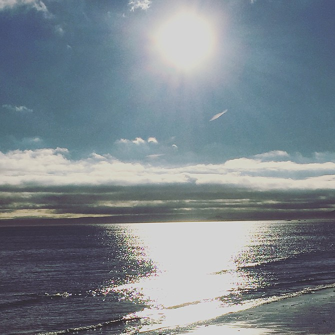 Sunshine marked Thanksgiving Day in Kirkcaldy, Scotland.